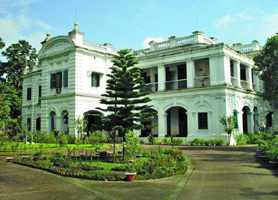চিত্র:UniversityDhakaViceChancellorResidence.jpg