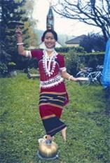 চিত্র:TribalDanceTripura.jpg