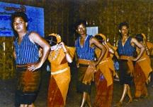 চিত্র:TribalDanceGaro.jpg